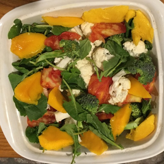 Vegan Salad with Mango pieces